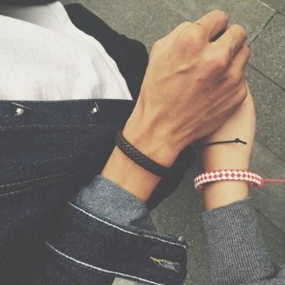 情侣男生手链女学生韩版礼物可爱简约皮手绳时尚个性复古首饰一对